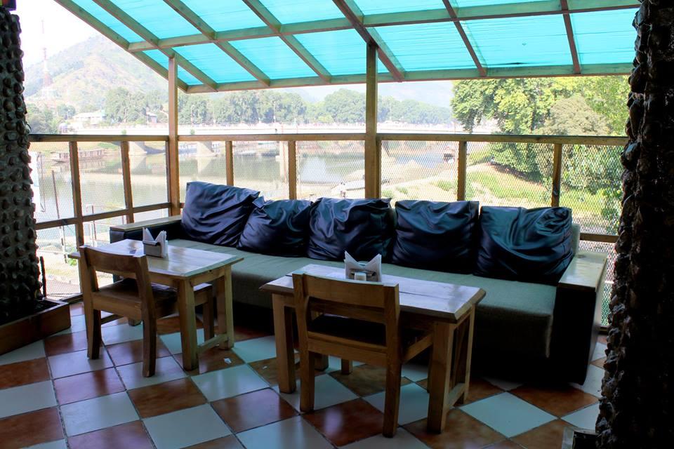 urth cafe srinagar
